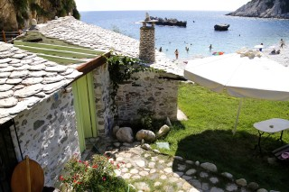location beach house damma mia in pelion