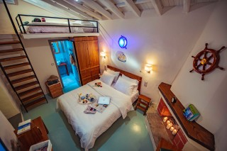 villa damma mia big bedroom