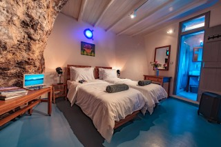 villa damma mia cozy bedroom